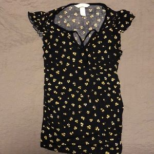 Floral print H&M maternity short sleeve shirt